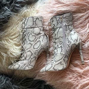 💕BRAND NEW💕 Snake skin lace up heels